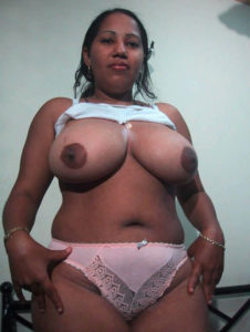 milf aunty tasty boobs