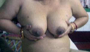 milky boobs indian aunty