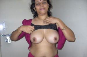 naughty indian bhabhi titts picture