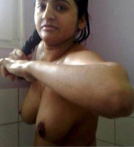sexy bath naked boobs xx