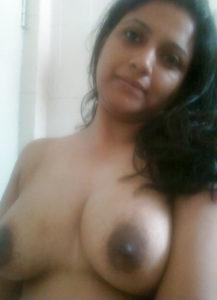 sexy bhabhi boobs hot indian