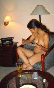 sexy boobs bhabhi pose nude