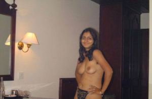 sexy nude boobs bhabhi