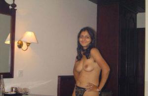 sexy nude boobs bhabhi