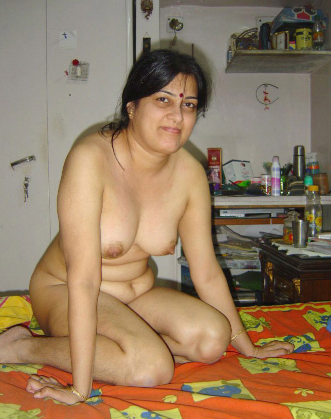 Busty Bhabhis Pose Naked Fabulous Desi Collection-2514
