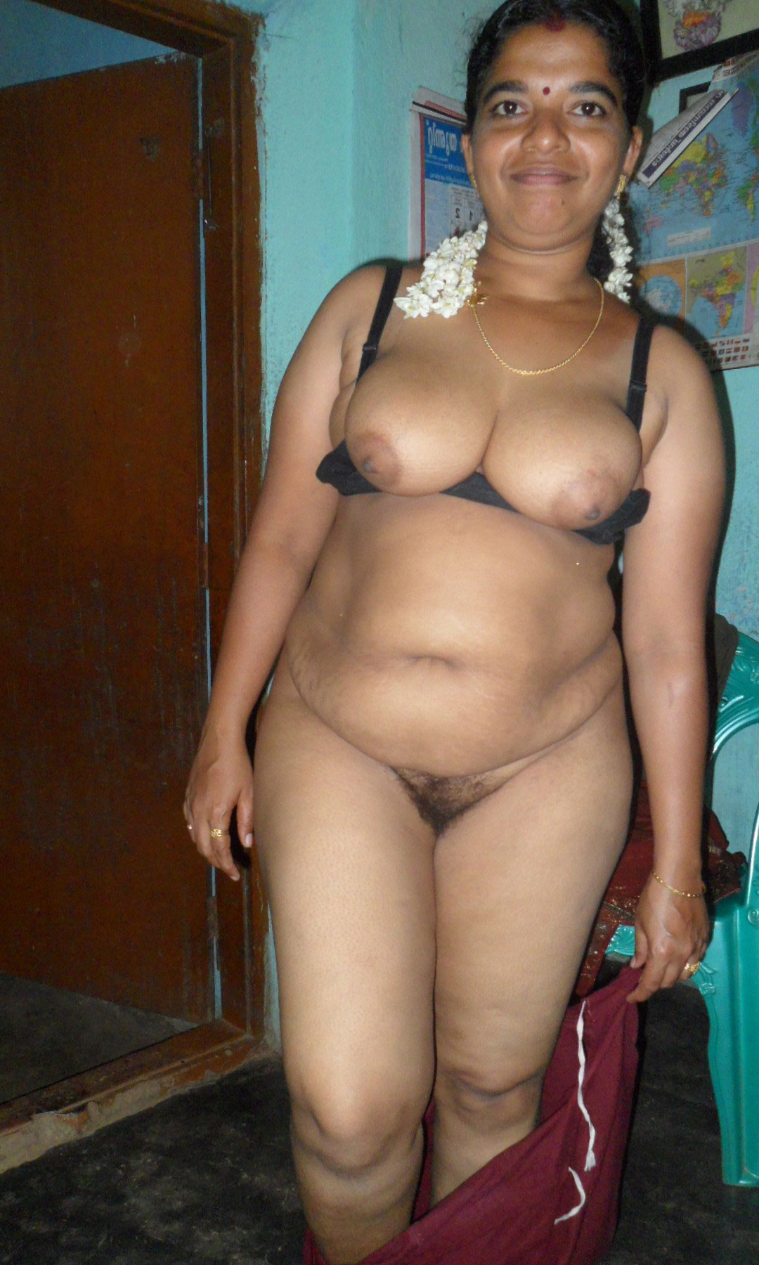 young female indian nude photos