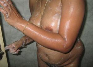 bathing naked indian pic