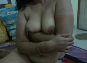 bhabhi nude hot boobs