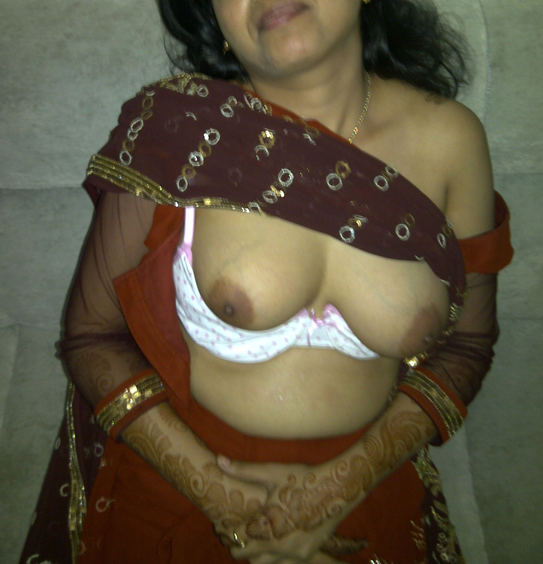 BHABHI BOOBS BANGALI