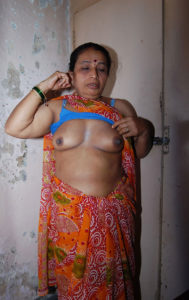 busty boobs aunty xxx