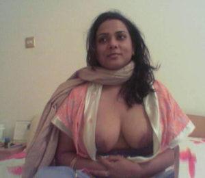 desi indina naked tits
