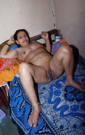 beautiful aunty nude Desi