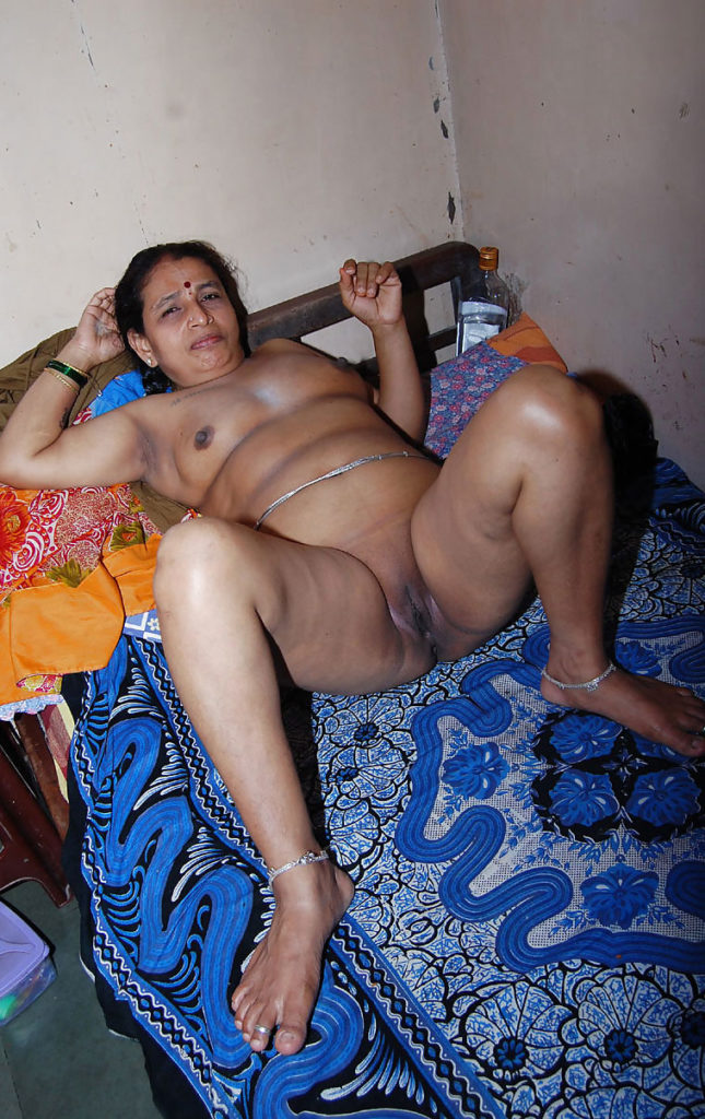 Assamese aunty naked picture — photo 5