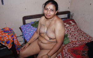hot naked aunty horny