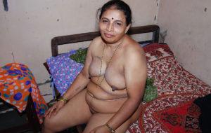 hot naked aunty horny