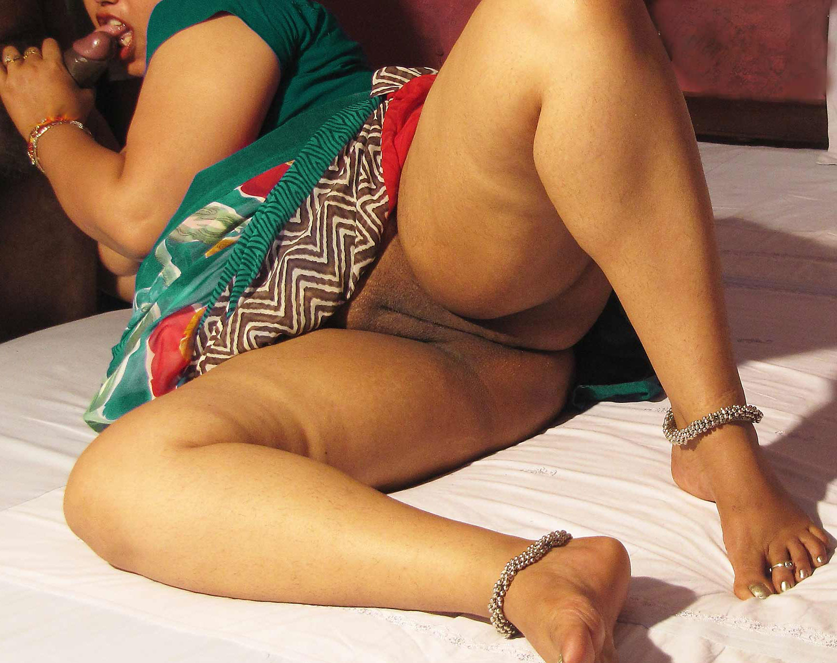 Hot aunty pussy photo