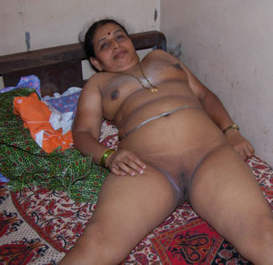 indian aunty nude desi