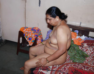 indian horny desi aunty