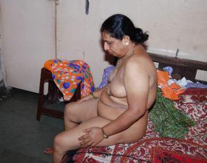 indian horny desi aunty