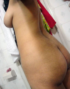 nude indian hips pic