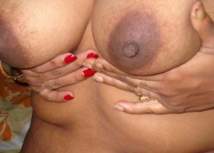 sexy nipples desi aunty
