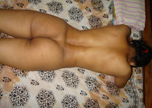 sexy nude indian hips