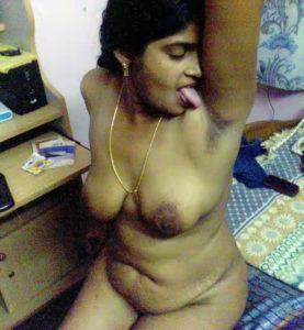 desi aunty naughty nude