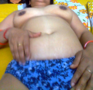 desi aunty xxx tits nude