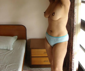indian bhabhi sexy tits