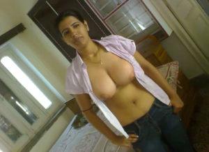 indian sexy bhabhi boobs