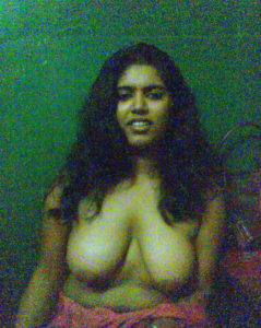 nude indian babe boobs