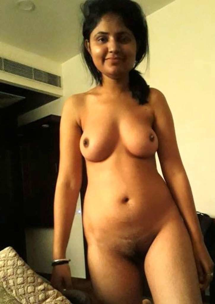 Hot Young Bhabhi Full Nude Pic