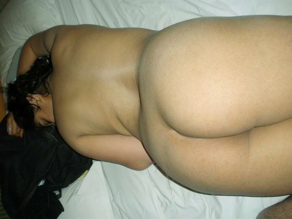 Leaked Photos Of Bangalore College Girl Nude With Bf